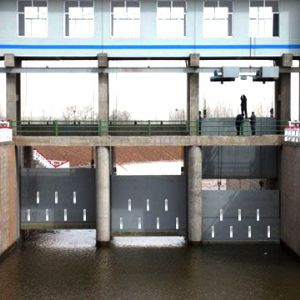 水利设施闸门的阴极保护